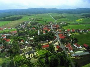 Luftbild Hohenaltheim mit Schloss